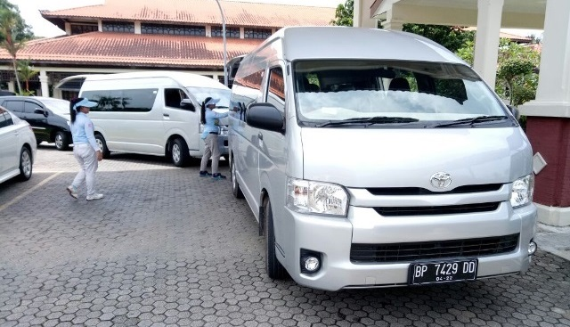 rental hi ace batam